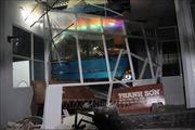 Xe khách lao vào nhà chờ bến xe tại Cà Mau làm 6 người thương vong