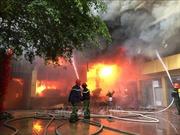 Cháy lớn tại tổ hợp khách sạn, nhà hàng, karaoke ở trung tâm thành phố Vinh