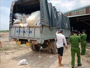 Đổ trộm hàng trăm tấn rác thải công nghiệp vào kho xưởng của người khác