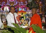 Phó Thủ tướng Trương Hòa Bình thăm, chúc Tết cổ truyền Chôl Chnăm Thmây tại Vĩnh Long