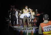 Lật tàu chở 50 người trên hồ, ít nhất 8 người thiệt mạng