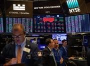 Mỹ - Trung áp thuế mới, chứng khoán Phố Wall lao dốc