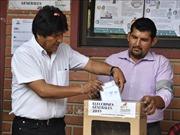 Tổng thống Evo Morales dẫn đầu cuộc bầu cử Bolivia