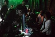 Hốt ổ nhóm hàng chục thanh niên phê ma túy tại quán bar đêm giao thừa