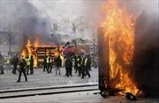 Tổng thống Pháp cân nhắc cấm biểu tình trên Đại lộ Champs Elysees
