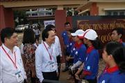 Bộ trưởng Phùng Xuân Nhạ động viên các thí sinh thi THPT quốc gia tại Đắk Lắk