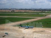 Đường cất hạ cánh sân bay Nội Bài hư hỏng nặng