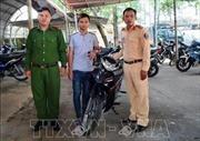 Cảnh sát giao thông Tây Ninh trao trả xe cho sinh viên bị mất trộm