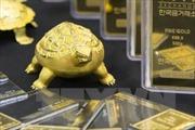 Giá vàng thế giới đi lên do đồn đoán các ngân hàng trung ương lớn nới lỏng chính sách tiền tệ