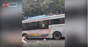 Cướp xe buýt rồi lao vào đám đông khiến hàng chục người thương vong