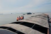 Cảnh sát biển tạm giữ tàu chở 500 tấn than không có giấy tờ hợp pháp