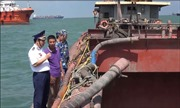 Cảnh sát biển và Công an phối hợp bắt giữ 7 tàu khai thác, vận chuyển cát trái phép