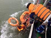 Cảnh sát biển cứu được 12 thuyền viên tàu Thành Công 999 bị chìm trên biển