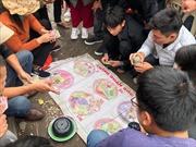 Cờ bạc ở thôn quê dưới hình thức xóc đĩa tôm, cua, cá
