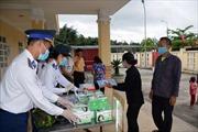 Cảnh sát biển đồng hành cùng ngư dân phòng, chống dịch bệnh COVID-19