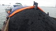 Cảnh sát biển tạm giữ tàu chở 120 tấn than không có giấy tờ hợp lệ