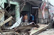 Xe container 'càn quét' 6 căn nhà trong đêm, nhiều người thoát chết