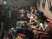 Phát hiện 80 nam, nữ thanh niên phê ma túy trong quán bar