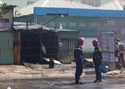 Tiệm sửa xe máy bốc cháy dữ dội, nhiều phương tiện bị thiêu rụi