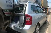 4 ô tô đâm nhau liên hoàn trên quốc lộ 1A, 2 người bị thương