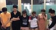 Hàng chục thanh niên nam nữ phê ma túy trong quán bar Oxy