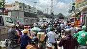TP Hồ Chí Minh ùn tắc giao thông nghiêm trọng tại công trình xây dựng mới cầu Bưng