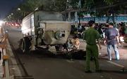 Hai thanh niên đi xe máy tử vong khi đâm vào xe tải đỗ trên đường