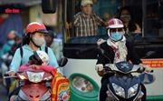 TP Hồ Chí Minh lạnh 20 độ C, người dân 'co ro' khi ra đường