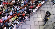 Sân bay Tân Sơn Nhất giáp Tết quá tải vì người nhà ra đón Việt kiều
