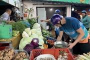Mùng 4 Tết, rau xanh, trái cây tăng giá do sức mua tăng tại TP Hồ Chí Minh