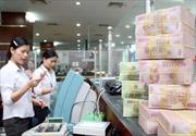Ngân hàng tăng lãi suất huy động để 'hút' tiền