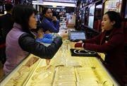 Giá vàng thế giới tăng, giá vàng trong nước lại giảm