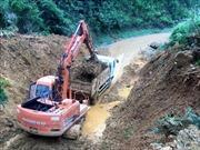 Quốc lộ 9C thông tuyến sau hơn một tuần ách tắc do mưa lũ