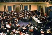 Dịch COVID-19: Lần đầu tiên, các nghị sĩ Mỹ đề xuất áp dụng bỏ phiếu từ xa