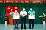 Khen thưởng kịp thời đội ngũ nhân viên y tế làm công tác phòng, chống dịch COVID-19