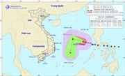 Bão số 7 đổi hướng liên tục trên biển Đông