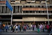 Nhiều toà nhà tại thủ đô Venezuela rung lắc mạnh do động đất 7,3 độ Richter