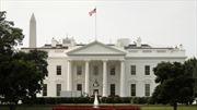 Xe cứu thương đột ngột lao đến Nhà Trắng