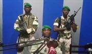 Video quân đội Gabon tuyên bố đảo chính qua đài phát thanh