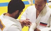 Tập Judo với vận động viên vô địch Olympic, Tổng thống Putin bị thương