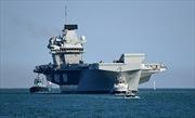 Hơn 200 tấn nước tràn vào tàu sân bay Anh, 3 thủy thủ suýt chết đuối