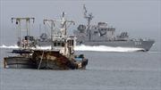 Hải quân Hàn Quốc 'vừa bắn vừa sửa' tàu Triều Tiên