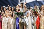 Những hình ảnh ấn tượng trong cuộc thi Hoa hậu Hoàn vũ thế giới 2019