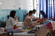 Dịch sởi bất thường, hàng loạt trẻ em, người lớn tại TP Hồ Chí Minh nhập viện