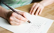 Tìm lại cảm xúc qua những lá thư tay