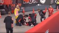 Cầu thủ ngã từ độ cao 3m vì ăn mừng bàn thắng