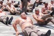 Chương trình 'đánh tan mỡ bụng' cho cảnh sát béo phì tại Thái Lan