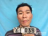 Bị công an bắt giữ, đối tượng nhiễm HIV dùng dao, lựu đạn đe dọa