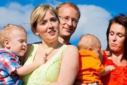 Thế giới sắp có thế hệ trẻ em 'ba bố mẹ'?