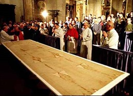 Bí ẩn tấm vải liệm Chúa Jesus - Kỳ 2: Cuộc chu du của Thánh tích